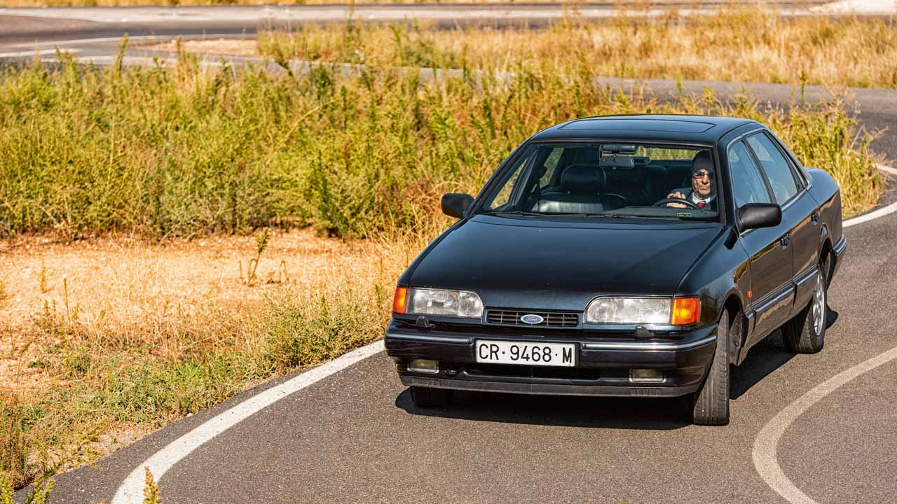 Dossier Audi 200, Cadillac Deville, Ford Scorpio, Renault 25