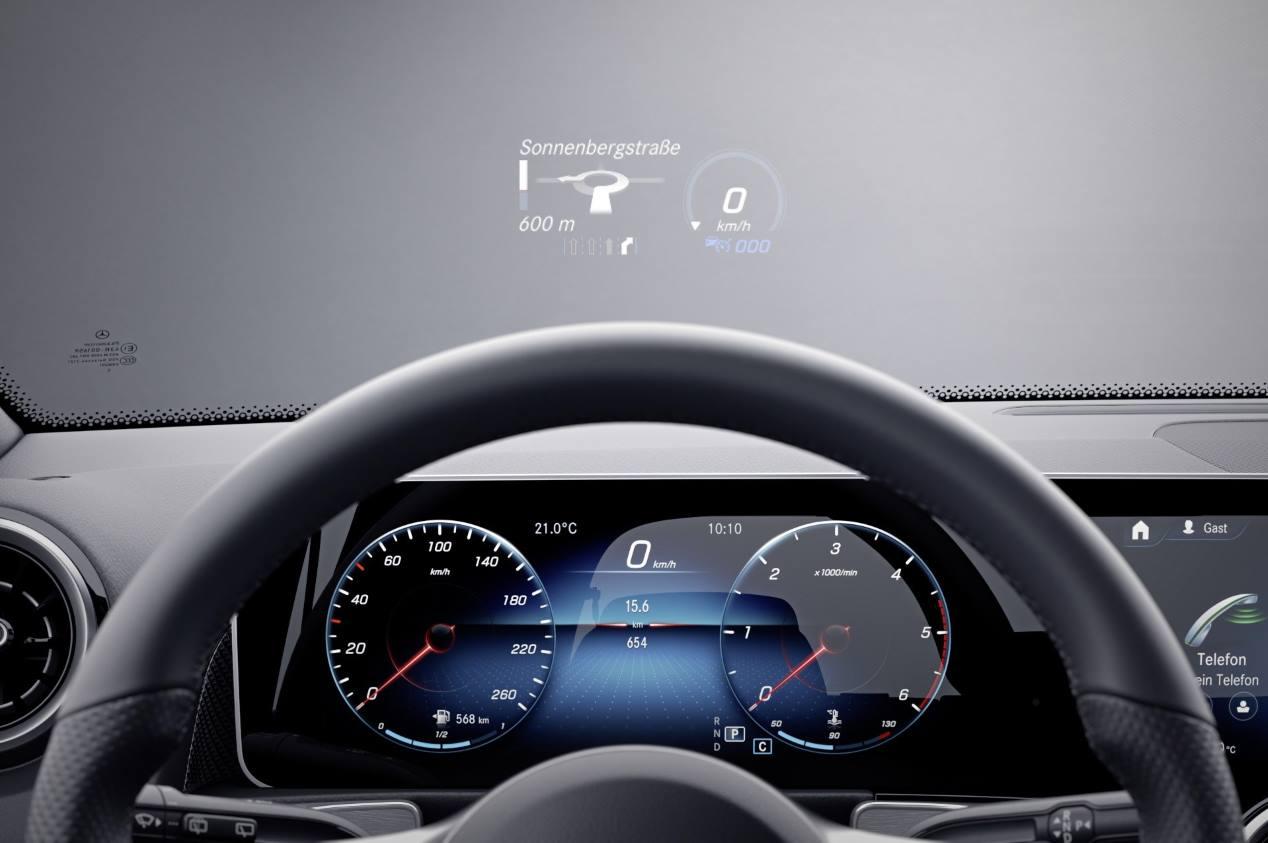 El nuevo Mercedes GLB 180, ya a la venta en España
