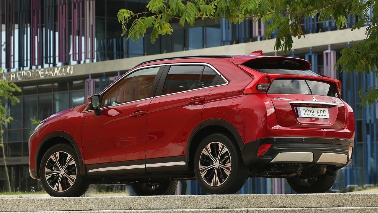 Mitsubishi Eclipse Cross Black Edition, más equipado y conectado