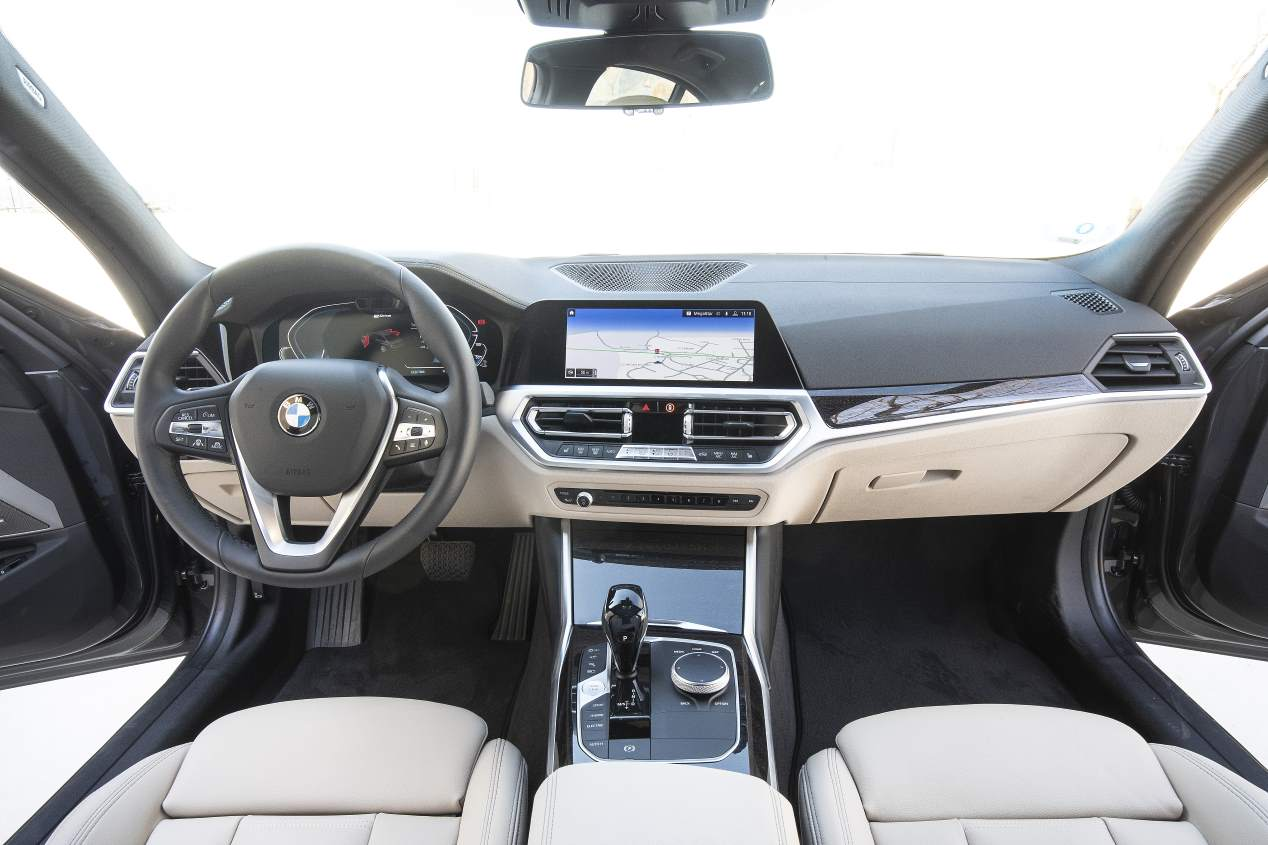BMW 330e vs Mercedes C 300 de: duelo de berlinas híbridas enchufables