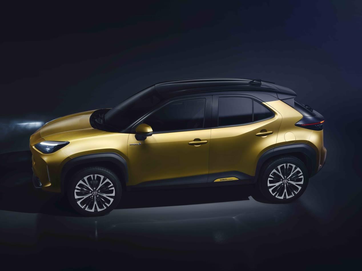 Renault Captur E-Tech vs Toyota Yaris Cross Hybrid: así son los nuevos híbridos