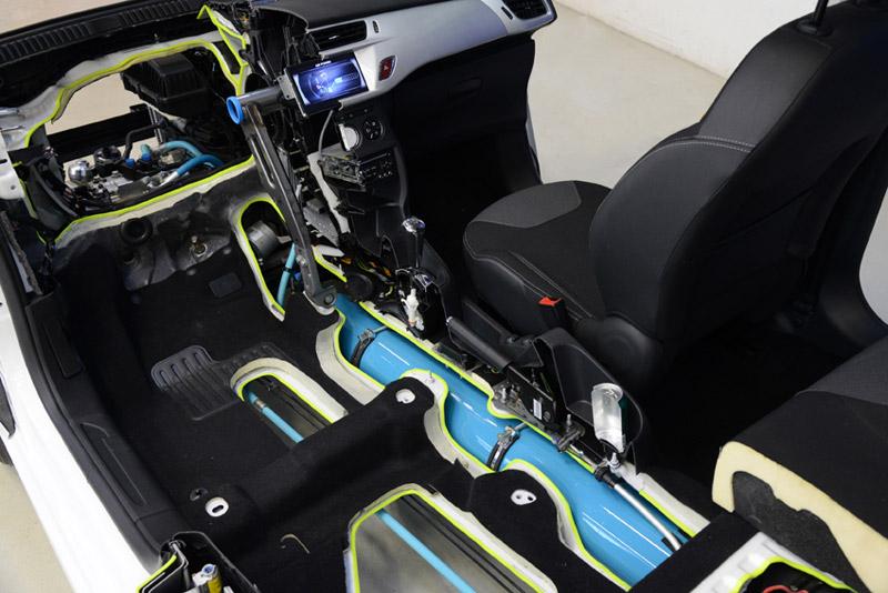 Híbrido con motor de aire de Peugeot y Citroën