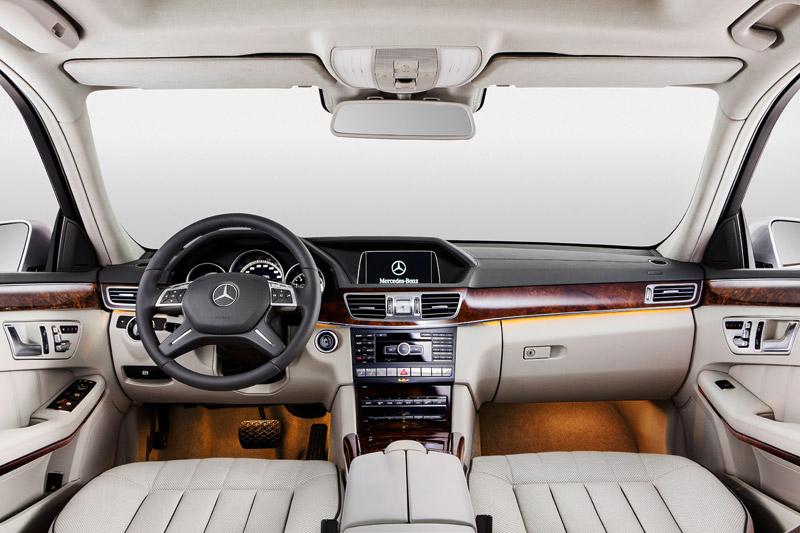 Mercedes Clase E de batalla larga