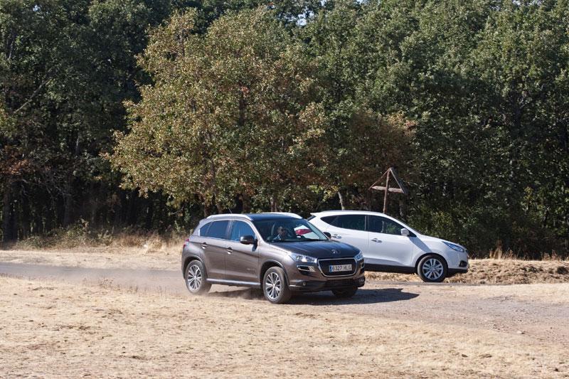 Hyundai iX-35 2.0 CRDi vs Peugeot 4008 1.8 HDi