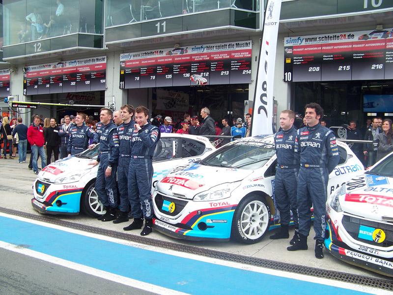 Equipo Peugeot en las 24 Horas de Nürburgring