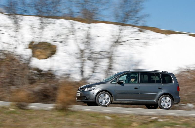 Comparativa VW Touran vs Toyota Verso