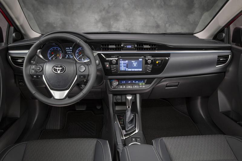 Toyota Corolla Sedán 2014, ahora más agresivo