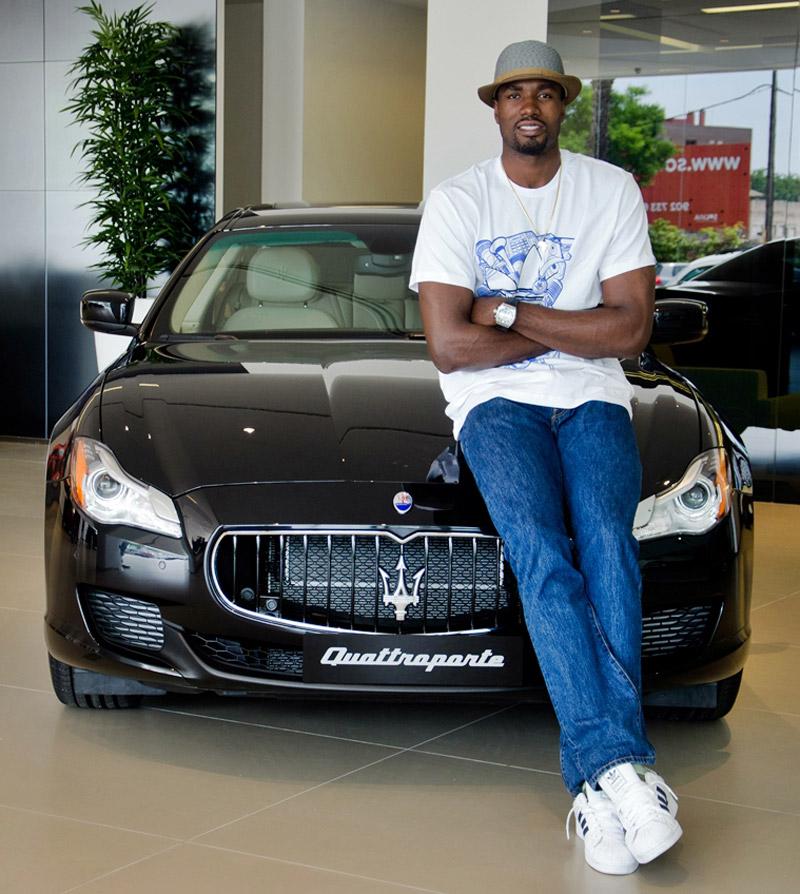 Serge Ibaka recibe un Maserati Quattroporte GTS