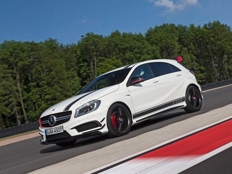 Mercedes A 45 AMG, contacto