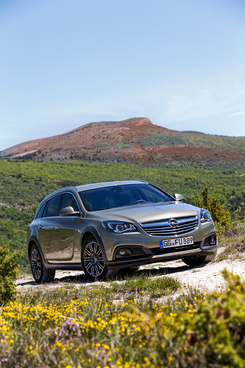 Opel Insignia Country Tourer, familiar campero