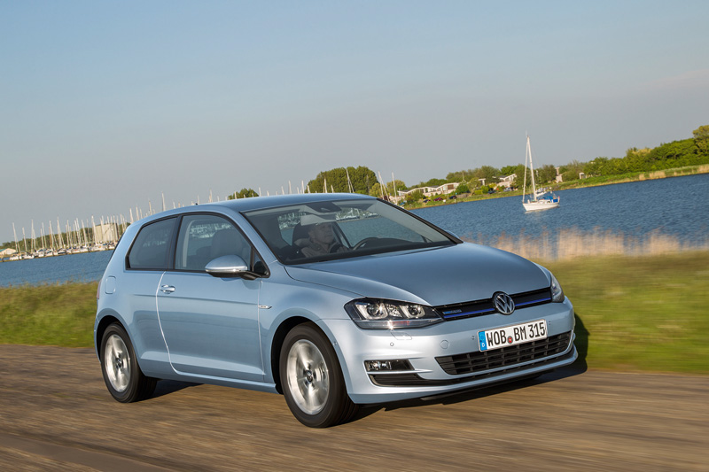 Contacto VW Golf TDI BlueMotion, súper ahorro