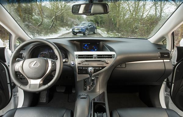 Comparativa: Lexus RX450h vs Infiniti FX 3.0D, SUVs de diseño