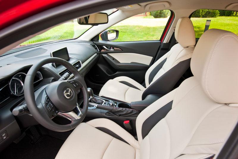 Contacto: nuevo Mazda3