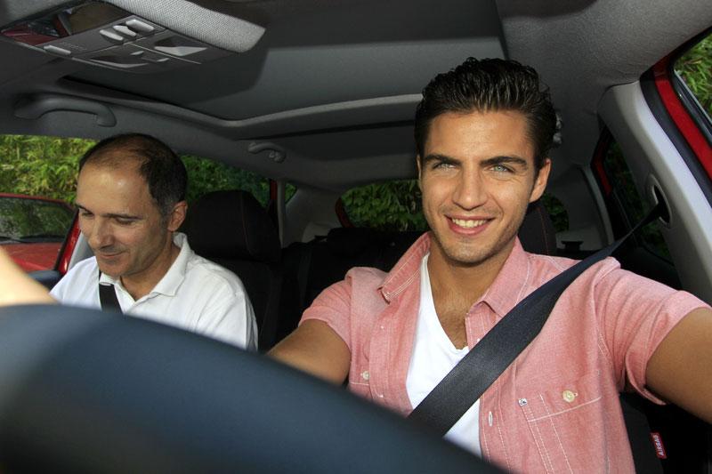 Maxi Iglesias y Santi Millán en el Reto AUTOPISTA