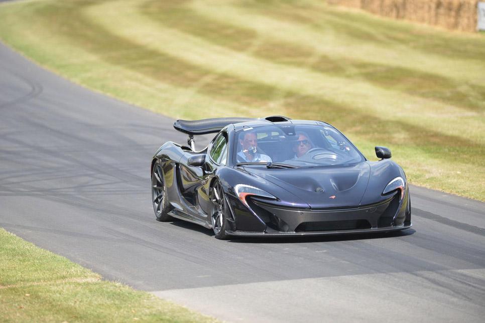 Button conduce un McLaren P1 en Goodwood