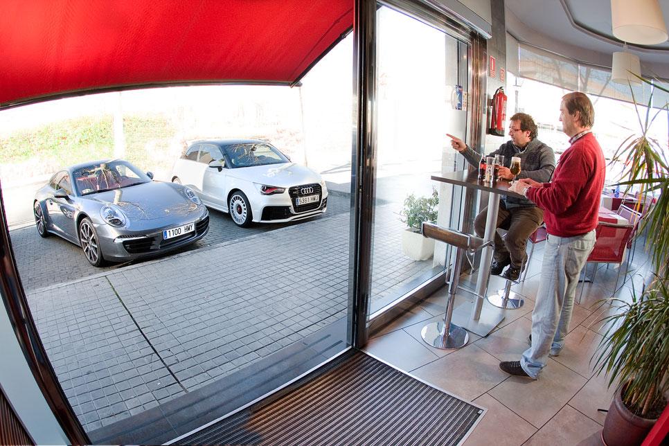 Audi A1 quattro contra Porsche 911 Carrera 4S PDK