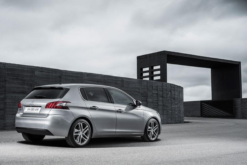 """Contacto nuevo Peugeot 308: paso al """"Frenchwagen"""""""