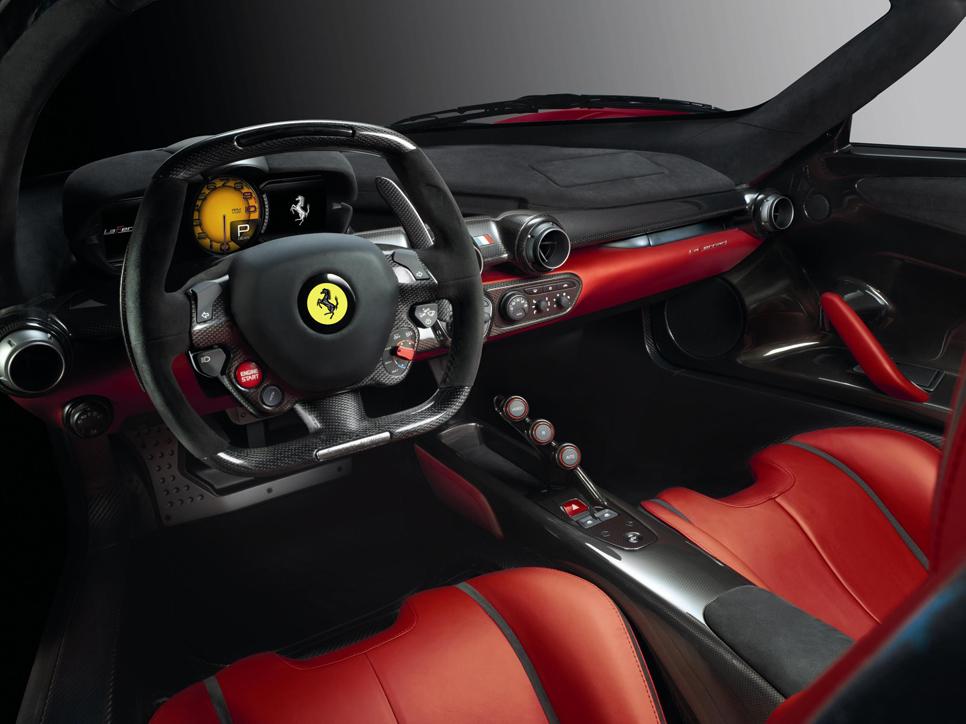 Cristiano Ronaldo se compra un Ferrari LaFerrari