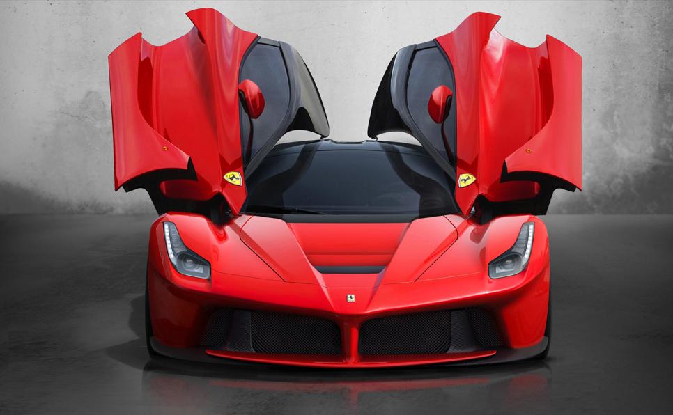 Cristiano Ronaldo se comprar un Ferrari LaFerrari