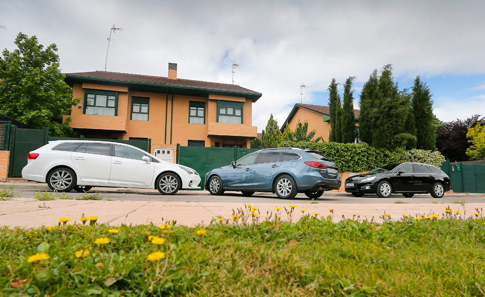 Comparativa: Mazda 6 SW vs Peugeot 508 SW y Toyota Avensis Cross Sport