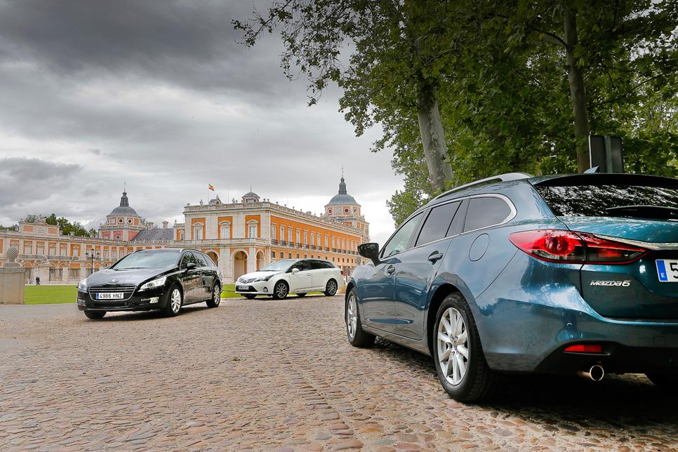 Mazda 6 SW vs Peugeot 508 SW y Toyota Avensis Cross Sport