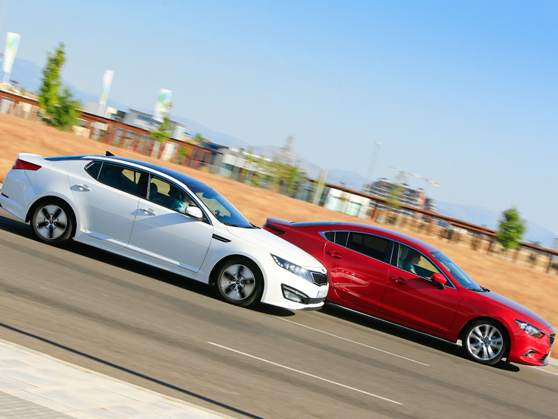 Kia Optima Hybrid vs Mazda 6 2.2 Skyactiv