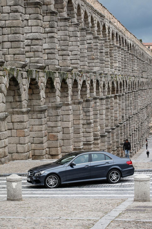 Mercedes E 350 Bluetec, fiel a la tradición