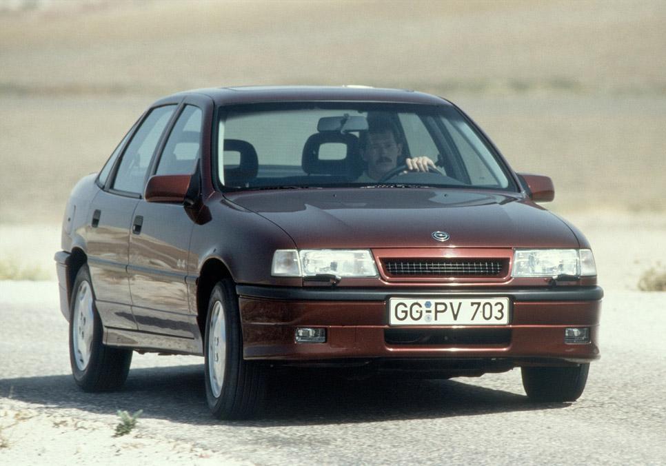 El Opel Vectra celebra su 25 aniversario