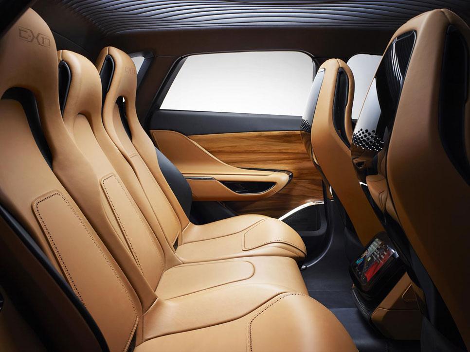 Jaguar C-X17, un SUV de lujo muy artesanal