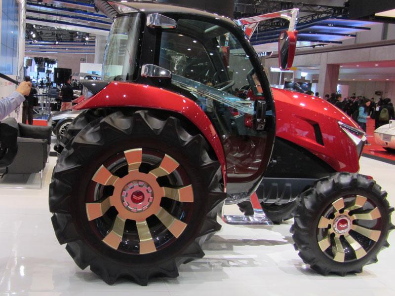 Yanmar YT01, el tractor más monstruoso