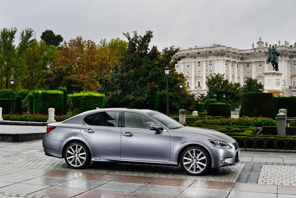 Lexus GS 300h, vista lateral