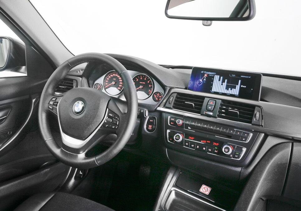 BMW 328 vs. Mercedes CLA