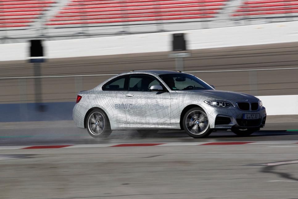 El BMW que derrapa solo