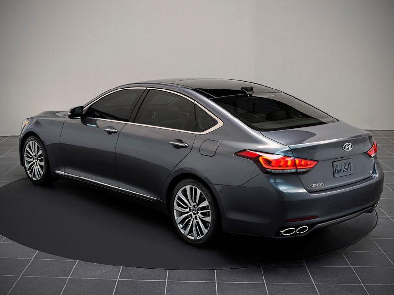 Hyundai Genesis Sedan en el Salón de Detroit