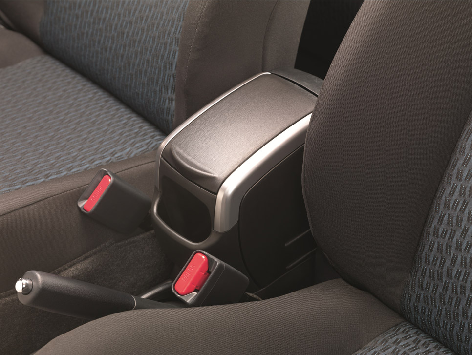 65 accesorios para el Toyota Yaris
