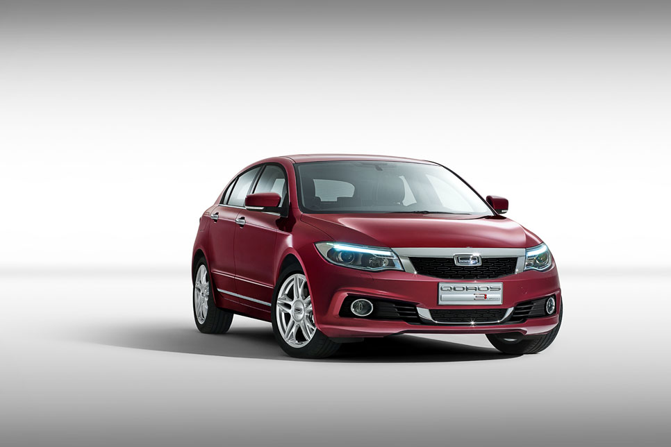 Qoros 3 Hatch, fotos oficiales