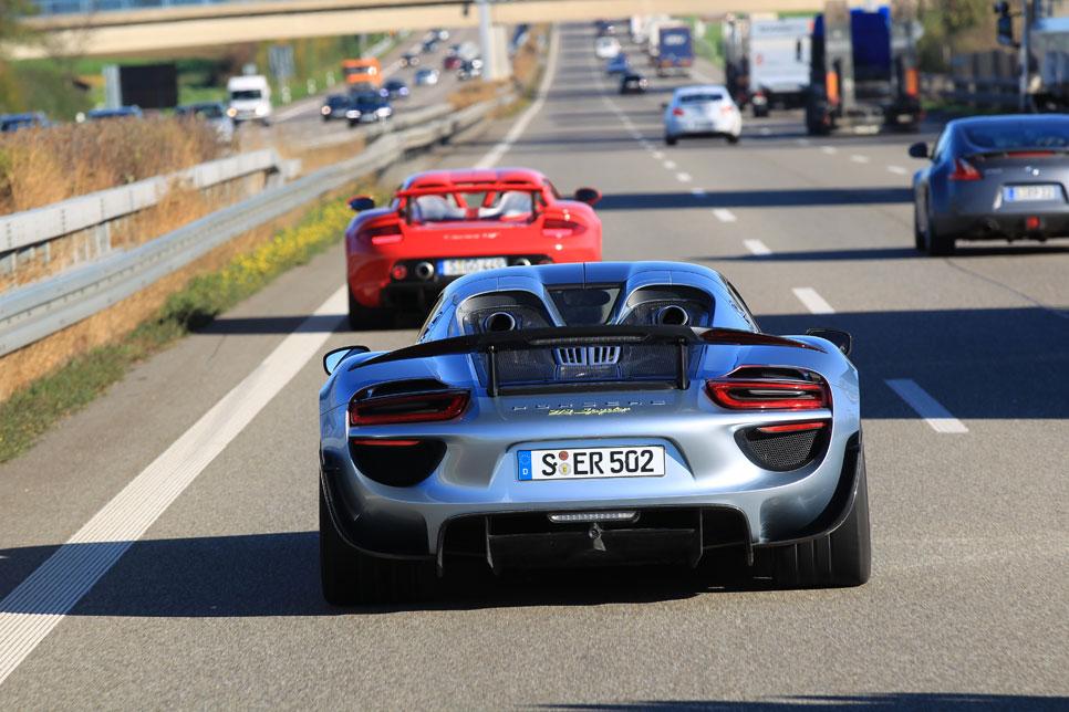 Comparativa: Porsche 918 Spyder vs Carrera GT