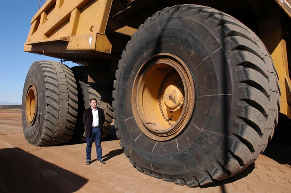 Los neumáticos más grandes de Michelin y Goodyear