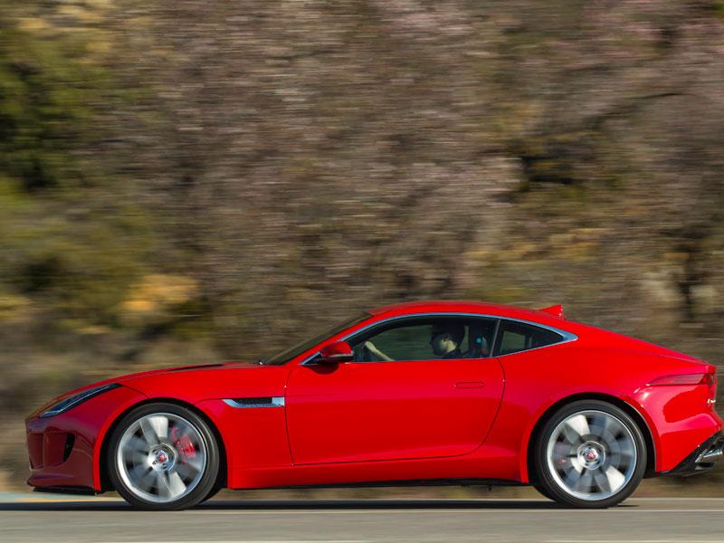 Jaguar F-Type coupé, al volante