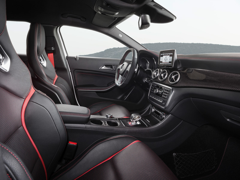Mercedes GLA 45 AMG interior