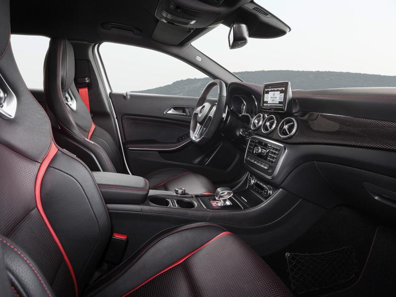 Mercedes GLA 45 AMG interior