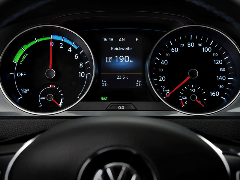 Contacto: Volkswagen e-Golf
