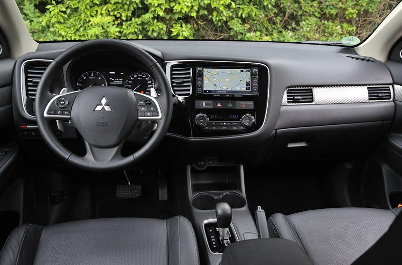 Mitsubishi Outlander 2WD tracción delantera