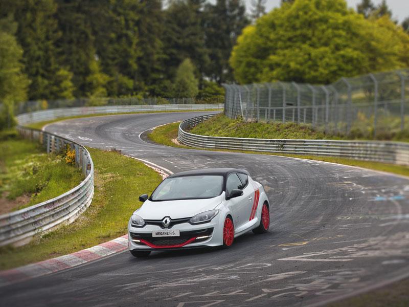 Renault reconquista Nürburgring