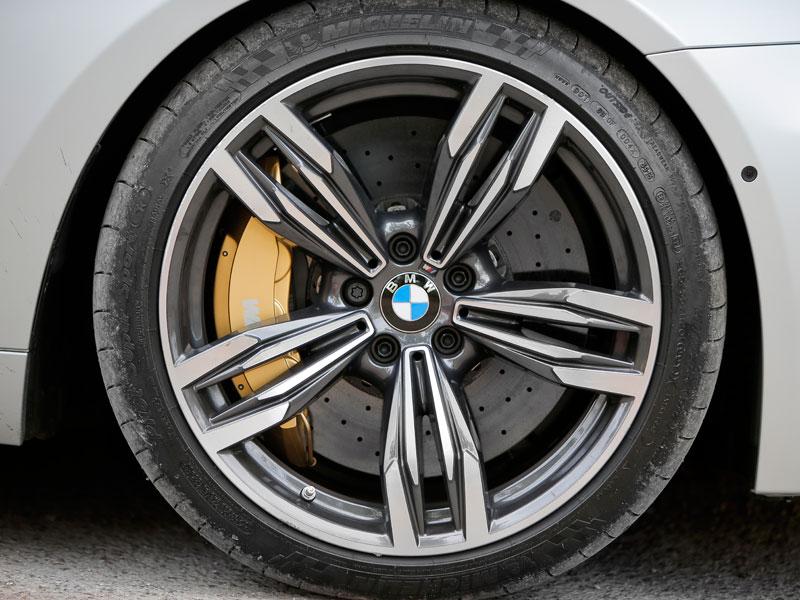 Neumático de perfil bajo