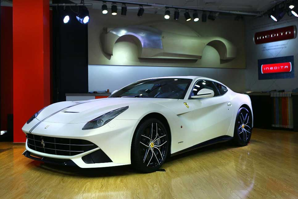 Ferrari F12 Berlinetta Polo y FF Dressage