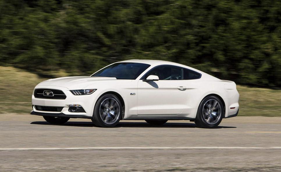 Un Ford Mustang 50 Aniversario, a subasta