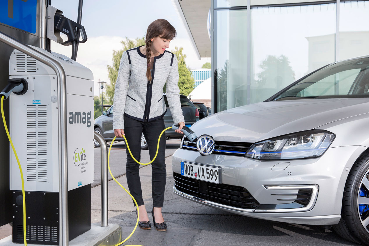Coches Enchufados: los 5 coches plug-in con más futuro