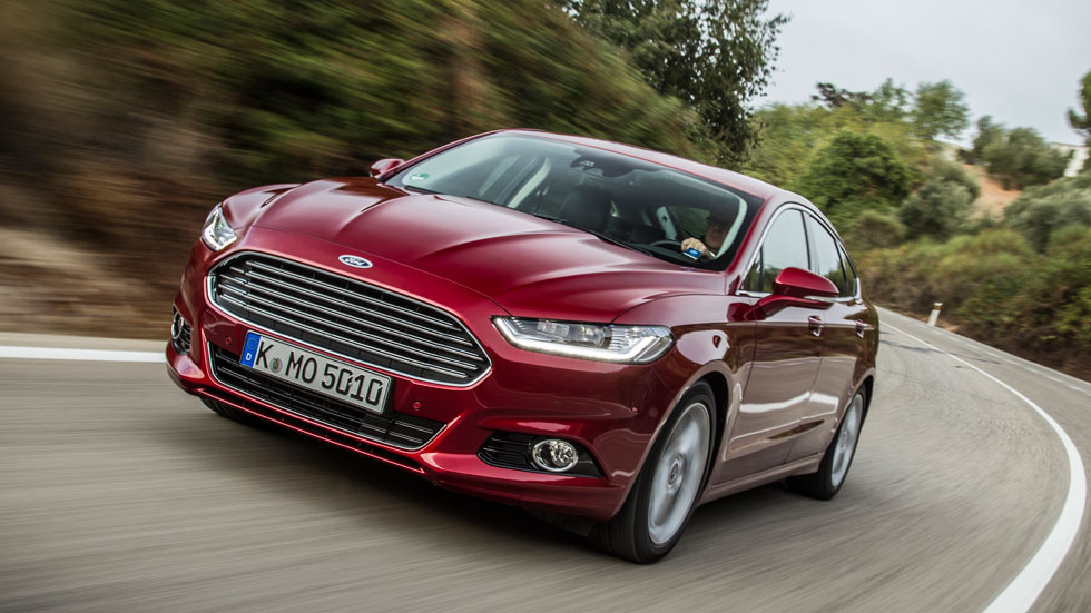 Contacto: Ford Mondeo 2015, objetivo VW Passat