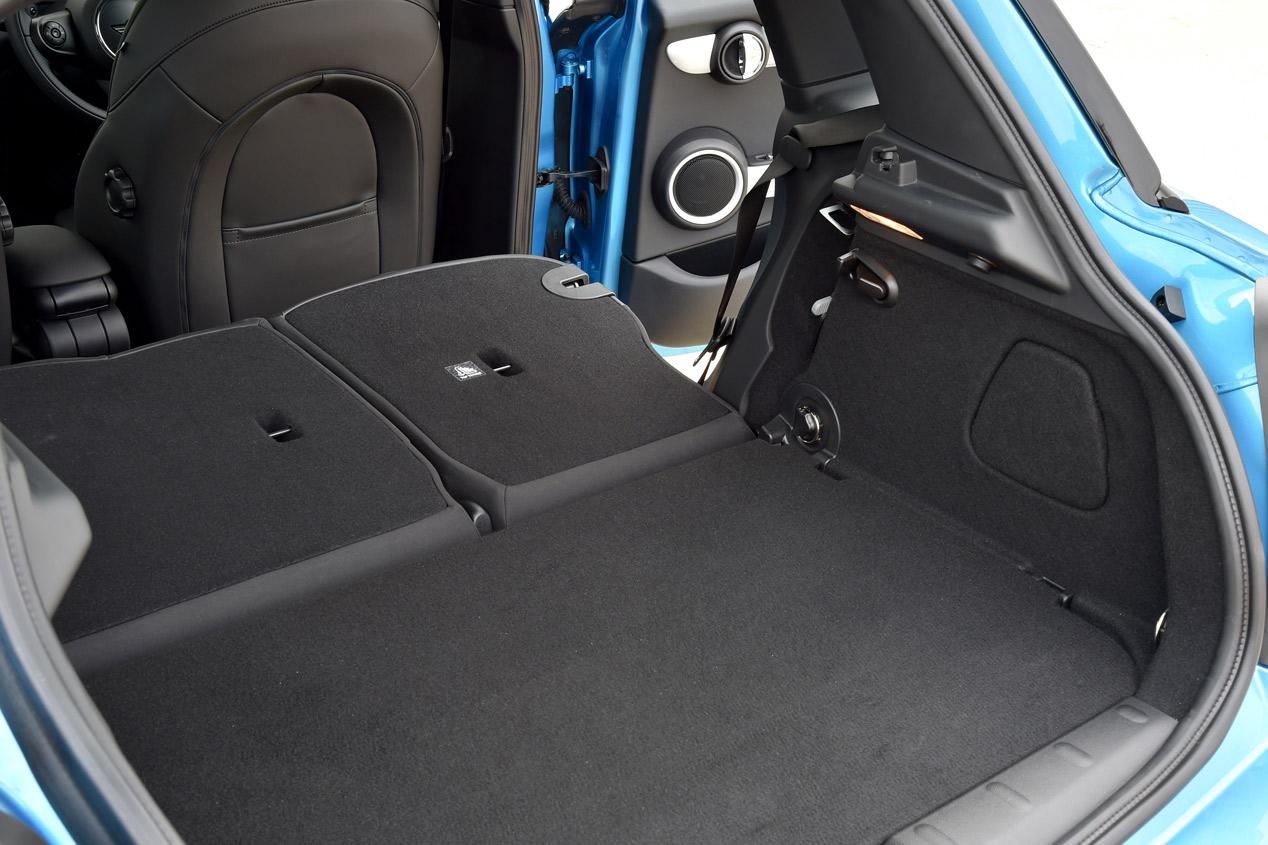 Contacto: Mini 5 puertas, funcional